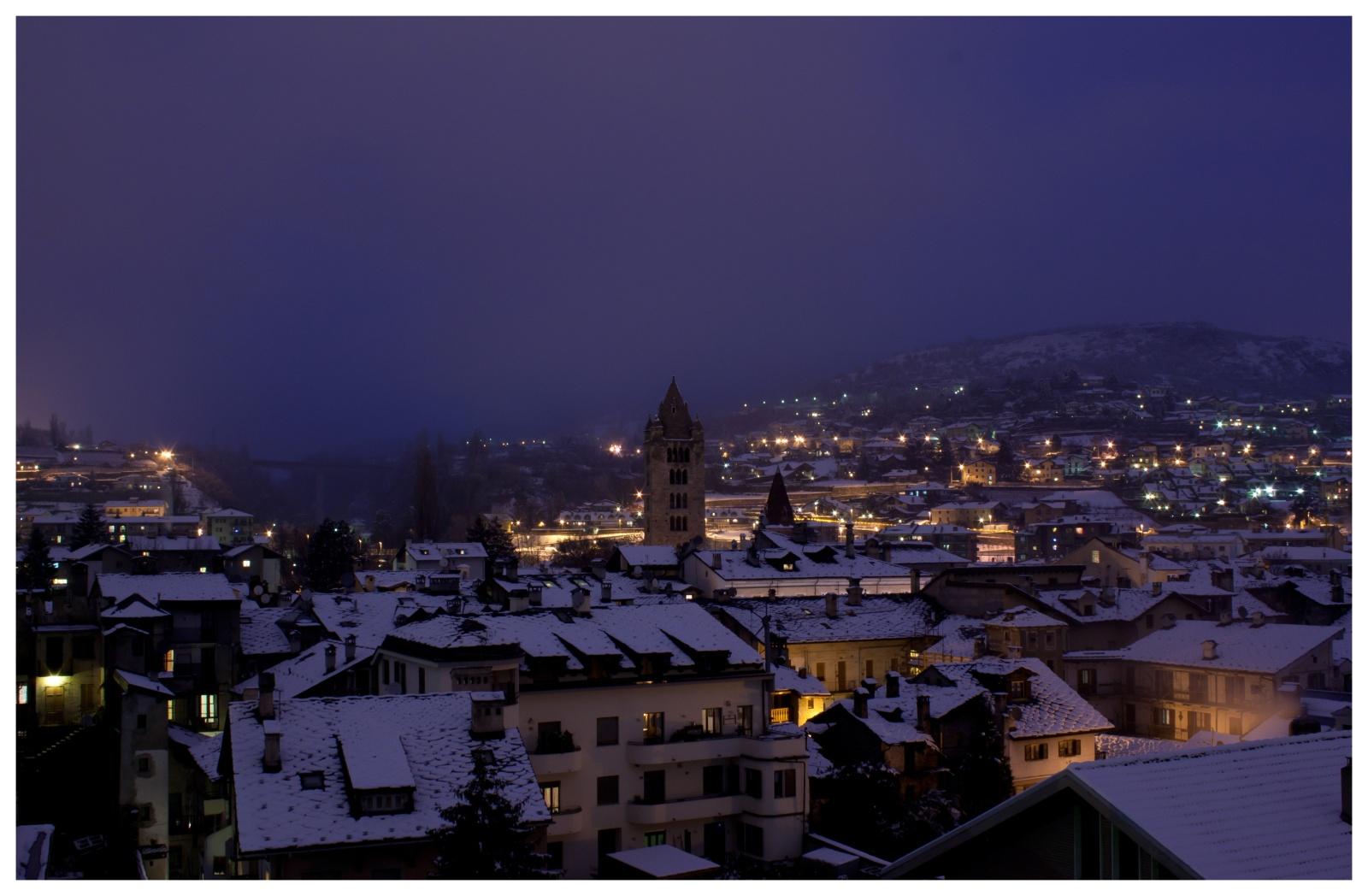 Aosta - Il centro di Aosta vista di Notte