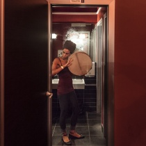 Soundcheck - Lavinia Mancusi, prova del suono in un bagno